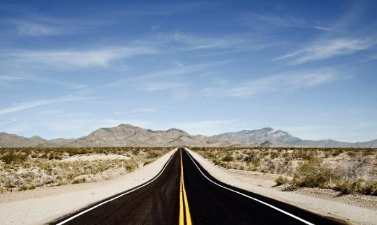 目の前に続く道